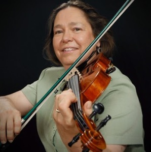 Mrs. Robin Lohse playing the violin